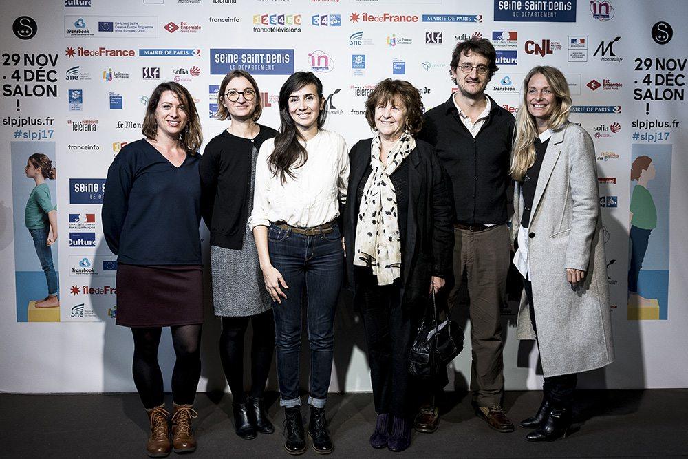 L'équipe Gallimard au photocall avec Cruschiform, lauréate de la Pépite